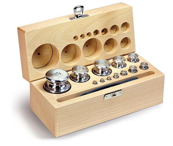 M1 Gewichtssatz, Knopfform, Edelstahl feingedreht, im Holz-Koffer